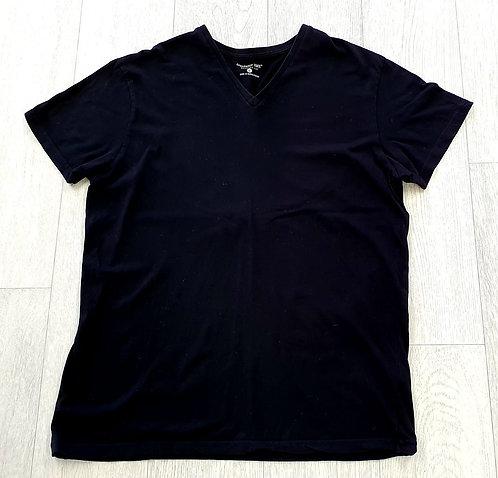 Cedar Wood State Regular fit black t-shirt. Size L