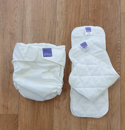 Bambino Mio washable nappy with 4 washable liners. One size