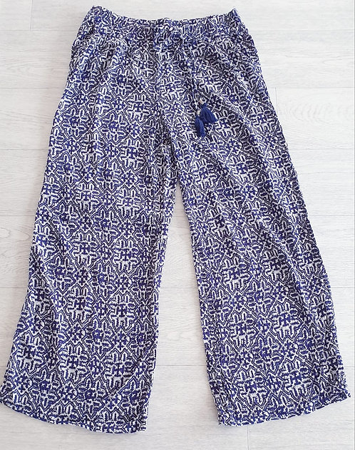 F&f blue/white print wide leg trousers. Size 14