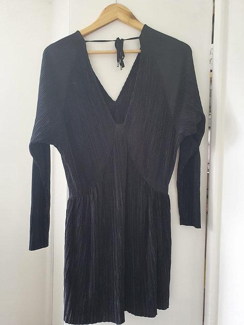 Black dress/long top.