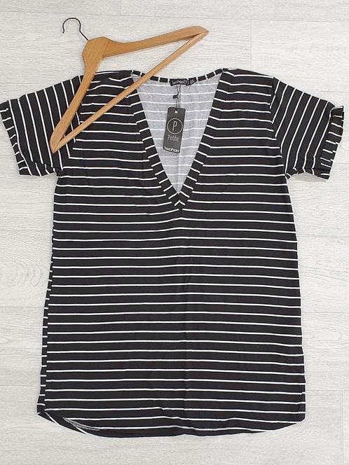 Boohoo black striped t-shirt dress. Uk 14 Petite