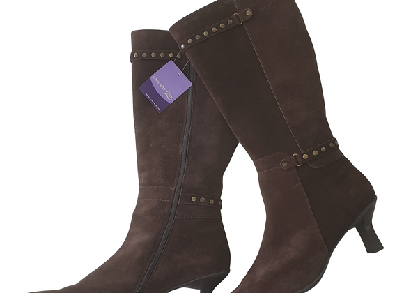 Caravelle Loganberry brown boots. Uk 8 NWT