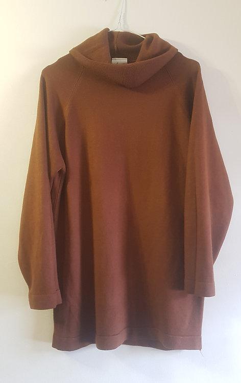 Brown roll neck jumper. Size 10-12.