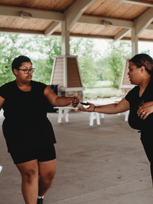 The perfect hand off between michigan wedding planner Tascha Amond and her wedding day assistant
