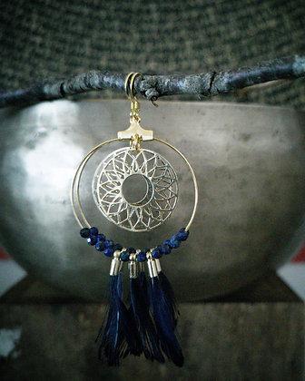 Lapis lazuli plumes
