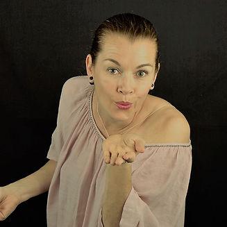 Singer-songwriter Harriet Mueller-Tyl