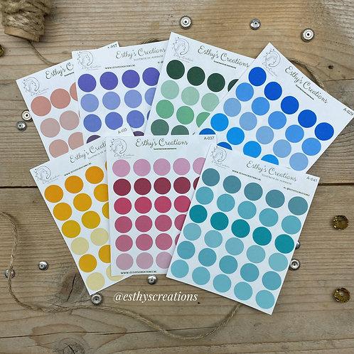Stippen stickers heldere kleur in verschillende kleuren