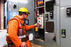 industrial-electrician-1