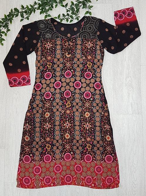 🏴Black and pink patterned kaftan. Size 8.