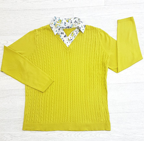 🏴BONMARCHÉ. Green knitted jumper with shirt style collar. Size 16/18