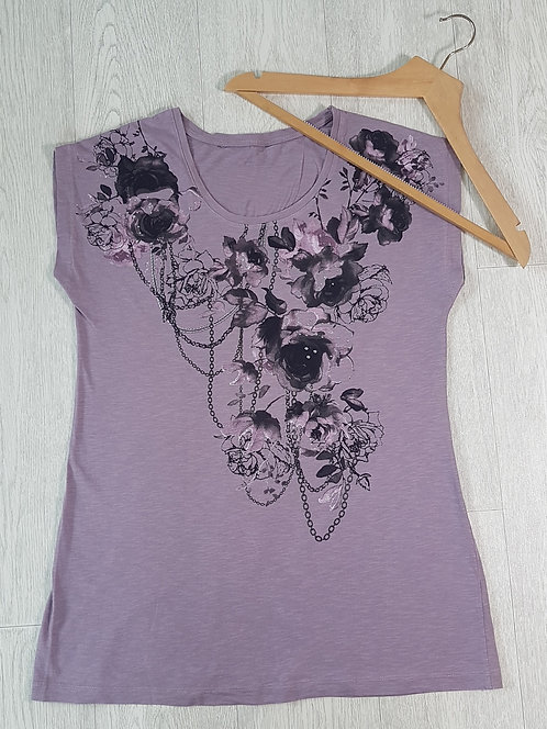 🏴Purple short sleeve top with flower print. Size 12