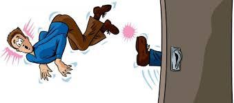 Commette reato il proprietario che minaccia lo sfratto all'inquilino moroso ?