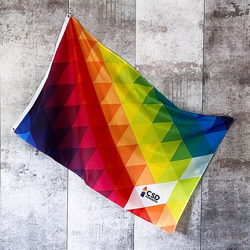 CSD Nürnberg-Flagge  im Pride-Love-Triangle-Design