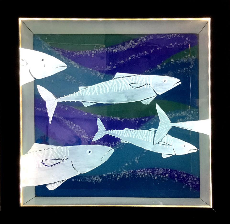 Freestanding fish lightbox
