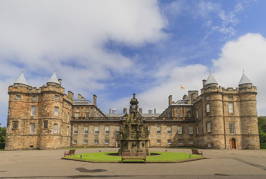 exterior-Palace-of-Holyroodhouse-Scot-Ed