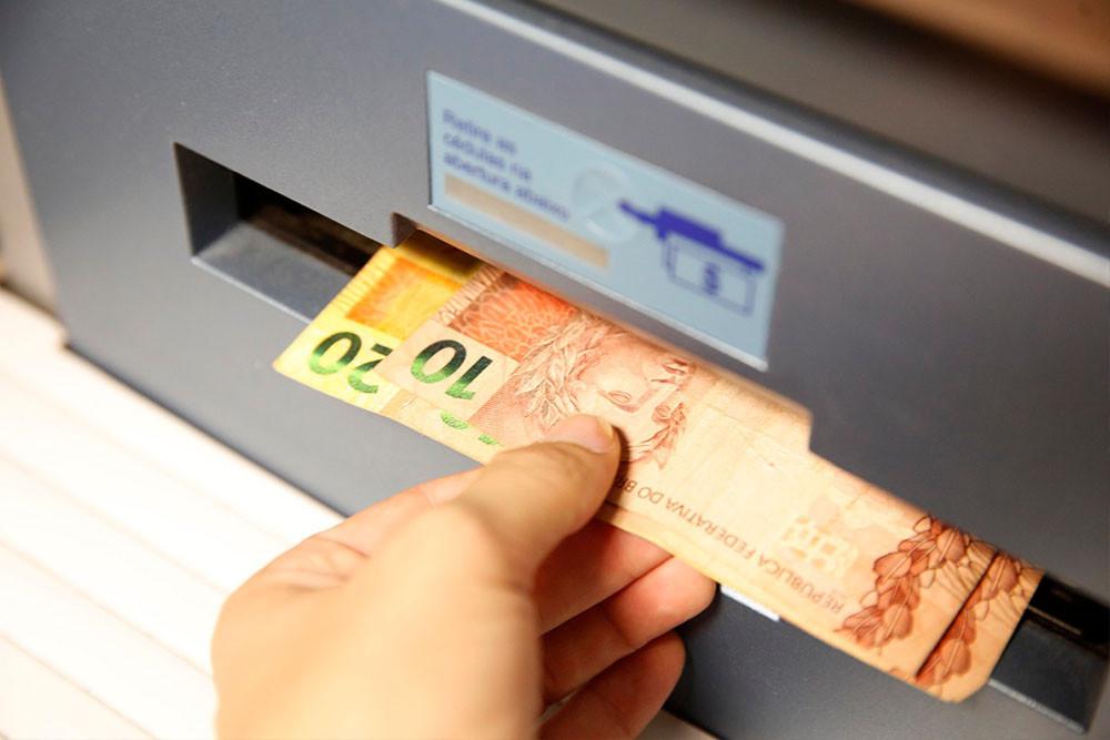 O abono salarial fica pelo menos dois anos disponível para saque. Foto: Google imagens