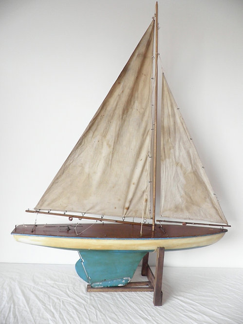 B Boats pond yacht antiques