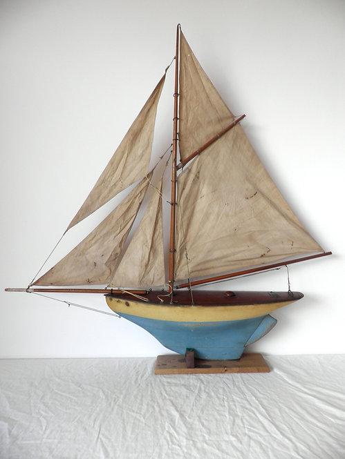Clyde Model Dockyard pond yacht