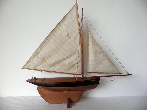 hamleys pond yacht antiques