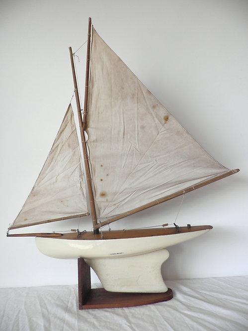 pond yacht gaffer