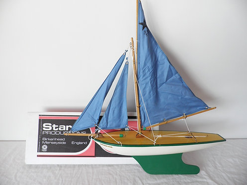 Star yacht pond yacht antiques