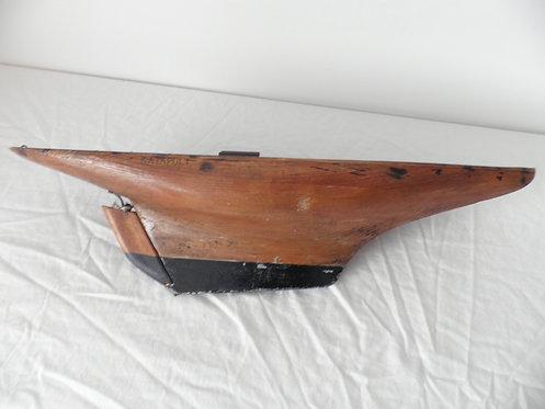 Pond yacht antiques