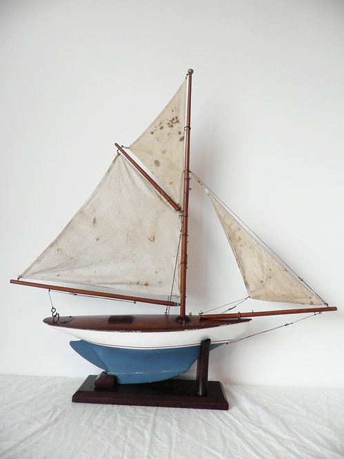 Clyde Model dockyard pond yacht