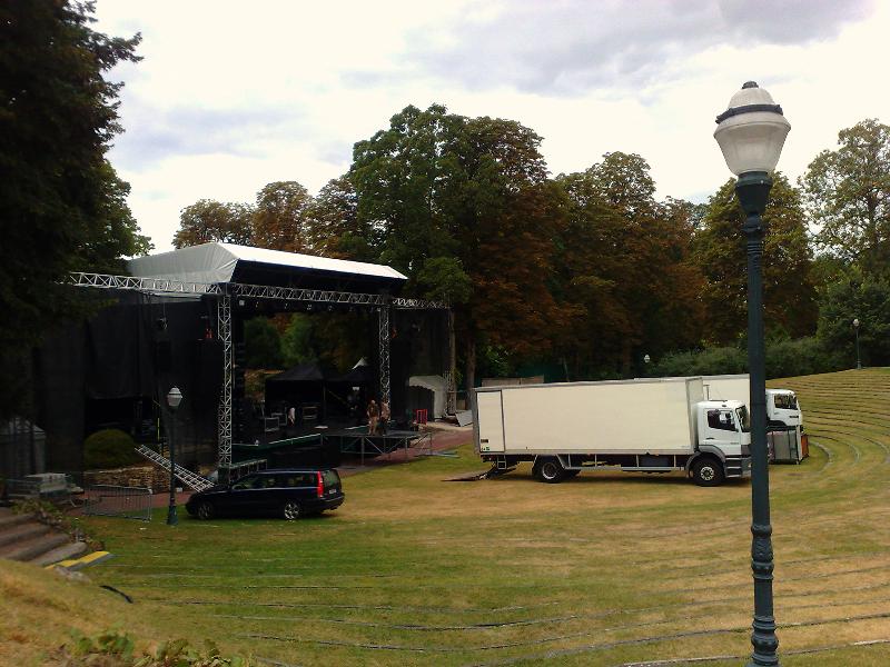 Montage scène Festival Rire & Rock
