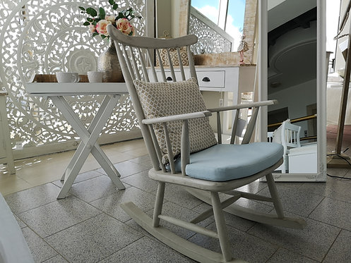 Rocking chair white