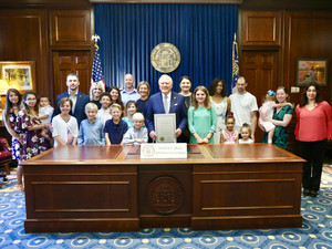 Meeting The Governor & Celebrating Food Allergy Awareness With Families Just Like Us!