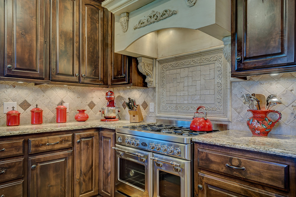 kitchen-interior-2046705_1920.jpg