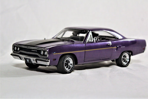 Limited Edition '70 Road Runner 1:18th Scale Model Signed by Mark Worman