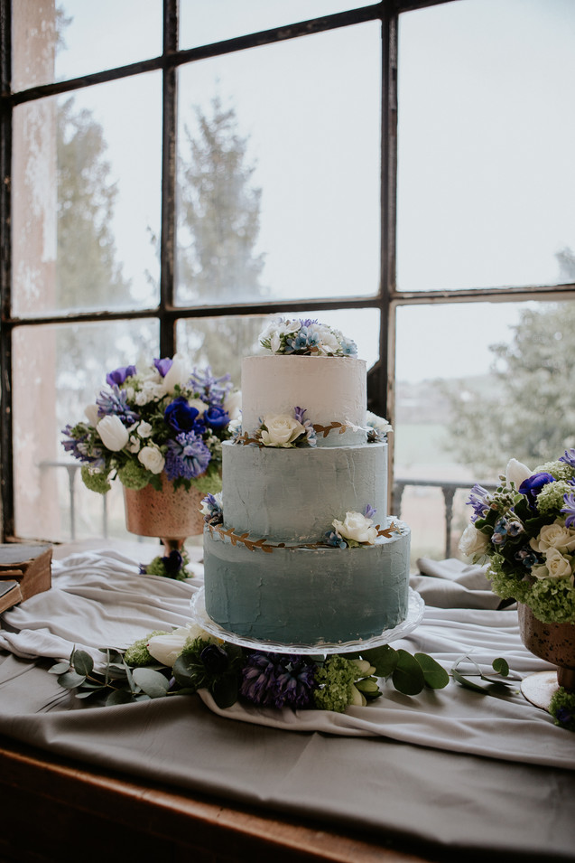 wedding cake azzurro polvere