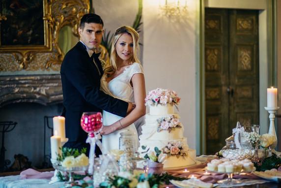 foto taglio torta frassinello
