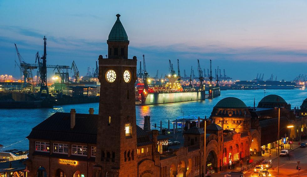 Port of Hamburg on the river Elbe in Germany at night_edited_edited.jpg