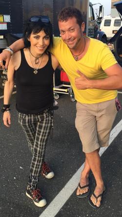 Josh Zuckerman w Joan Jett 2015