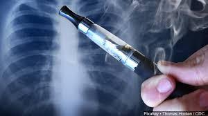 Vapers/rokers lopen helft risico op Corona COVID-19 bleek in populatie onderzoek