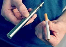 RIVM (Rijksinstituut voor Volksgezondheid en Milieu in Nederland): 'Overstap naar e-sigaret levert g