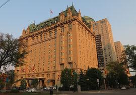 hotel fort garry winnipeg walking tour