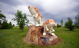 Leader-Saskatchewan-statue_mice-1.jpg