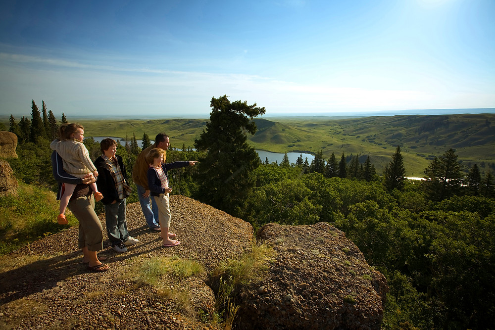 cypress hills park saskatchewan things to see driving