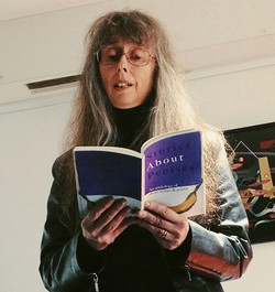 Cathy Edmunds at the Poetry Cafe