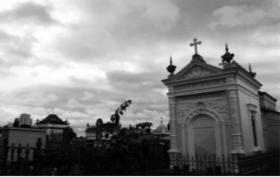 Visita guiada é atração no Cemitério Municipal
