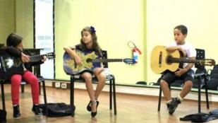 Voluntários e professores ministram oficinas no Piauí