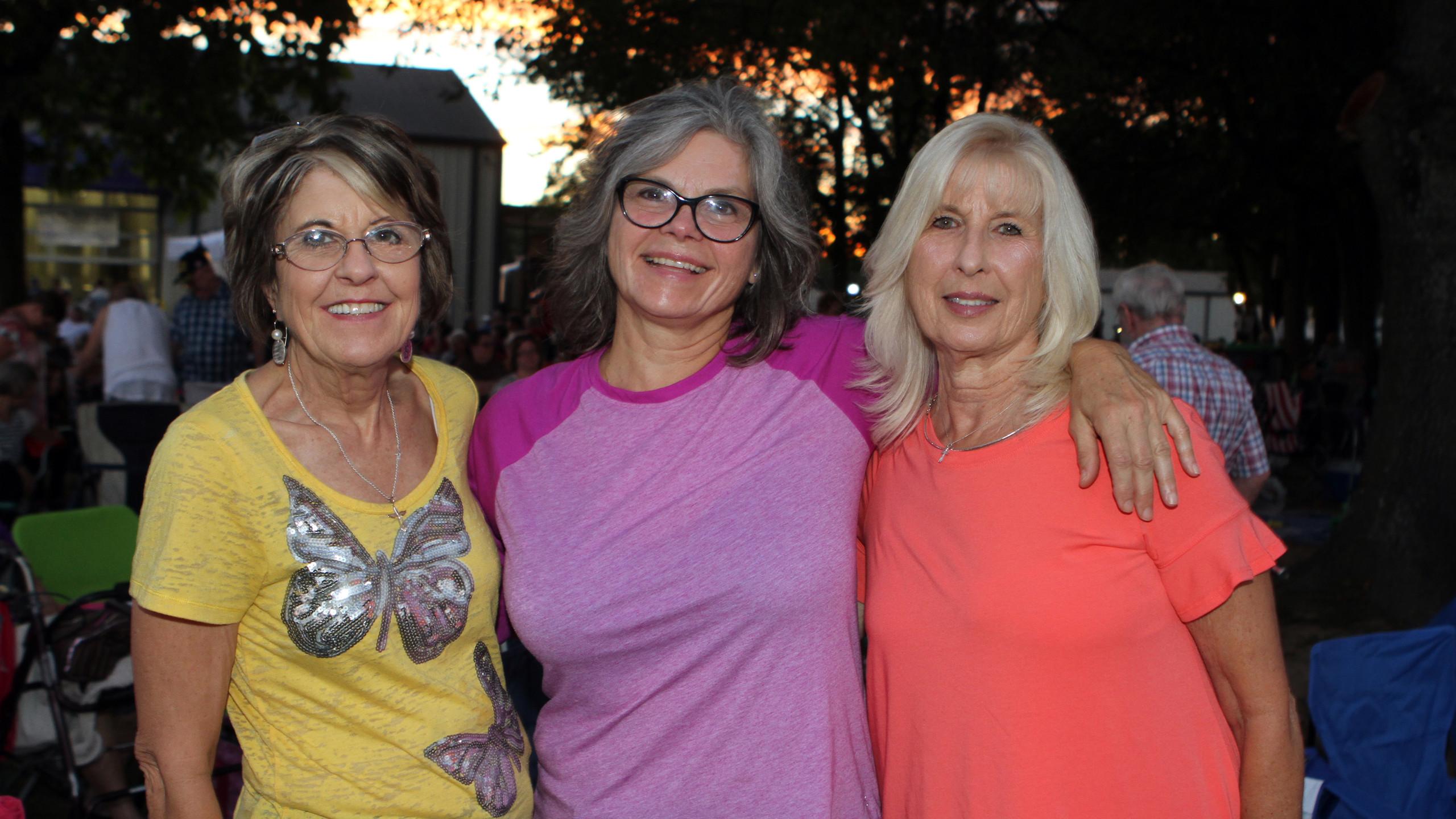 Sue Bryant, Jill Rodgers, Betty Venczel.