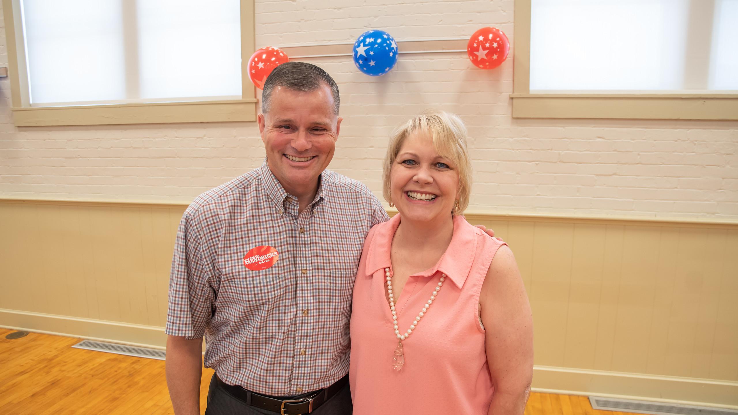 Mayor Carter Hendricks, Becki Wells