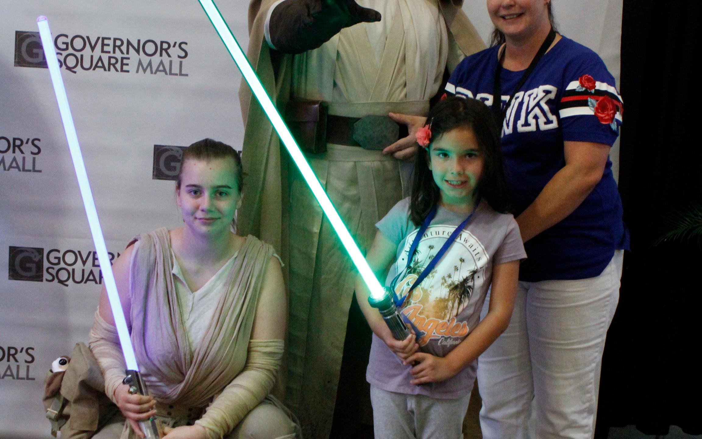 Rey, Luke Skywalker, Alyssa & Andra Ruff