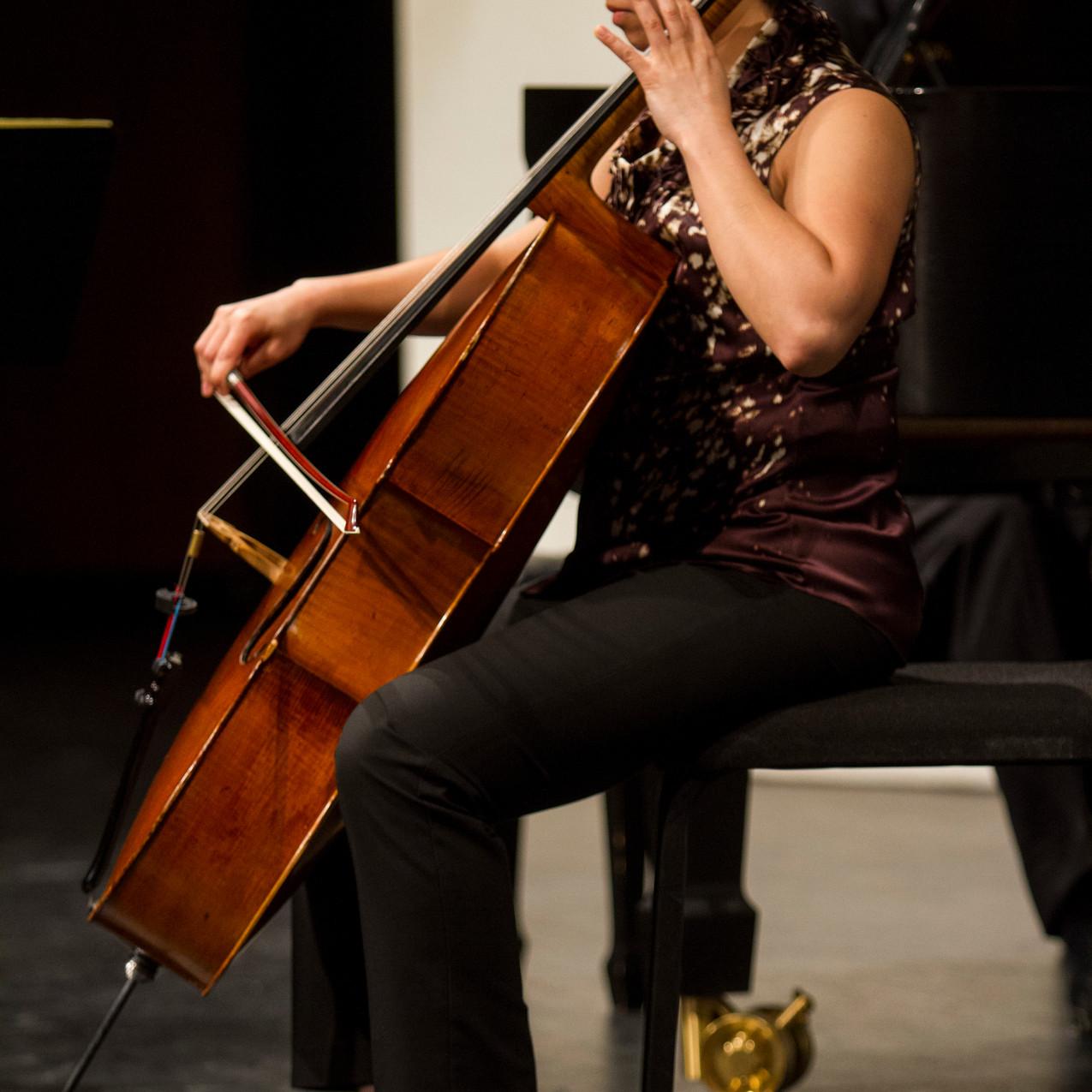 Eli Lara(2)