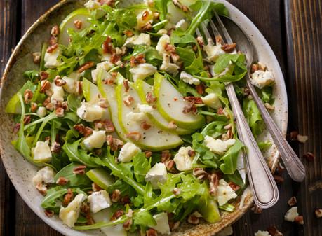 Gorgonzola, Pear & Arugula Salad