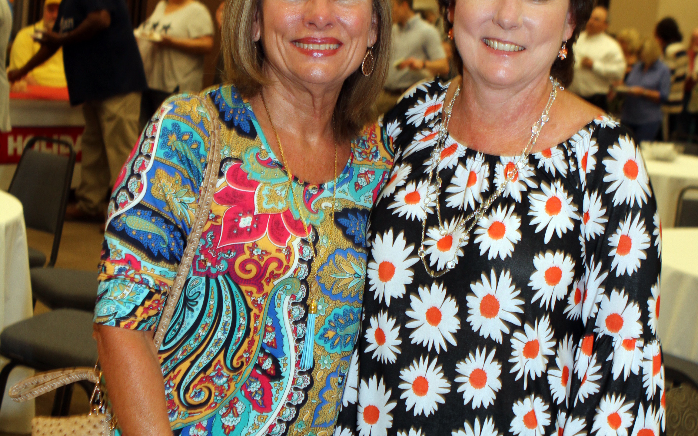 Carol Cohoon, Betty Holmes